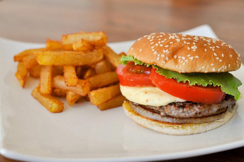 Fast food ve kızarmış yiyecekler