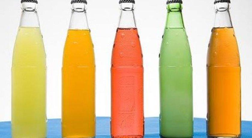 Çok fazla meşrubat içmenin riskleri var, bu risklerin arasında en önemlileri obezite ve diyabet.
