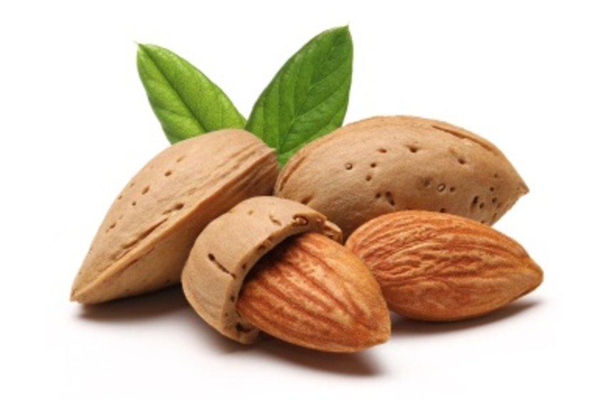 Fındık, badem, bitkisel yağlar, buğday tohumu, tam tahıllar ve tereyağının ev sahipliği yaptığı E vitaminiyse kepek oluşumunu önlüyor.
