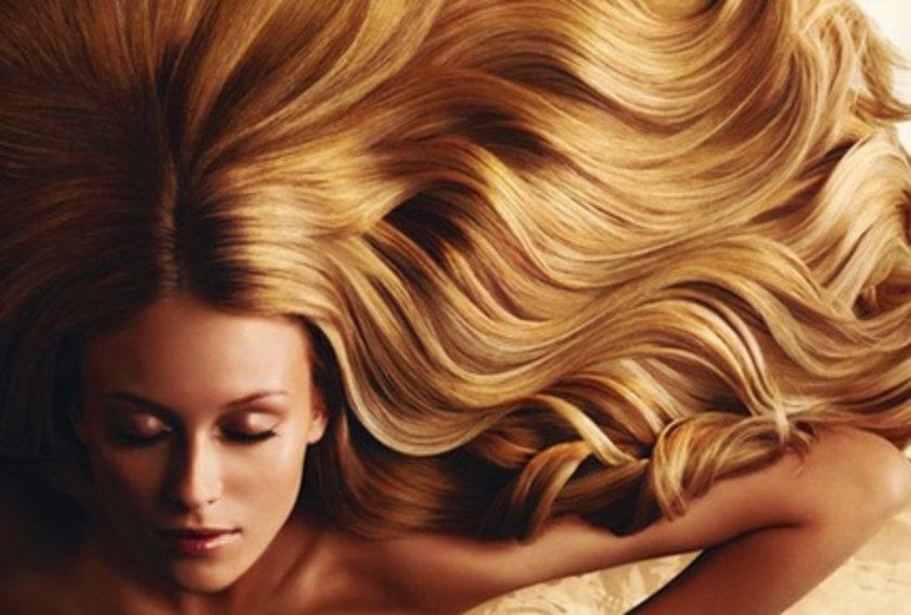 Her saç teli proteinden oluştuğundan, saçın uzaması ve sağlıklı olmasını sağlayan bu besinden eksik beslenirsek eğer saç sağlığımız da bozulur.