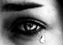 Başkasının gözyaşını silmeyin!