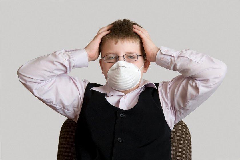 Ağız enfeksiyonları yok edilmeli; gömülü ve sorunlu dişler çekilmelidir.