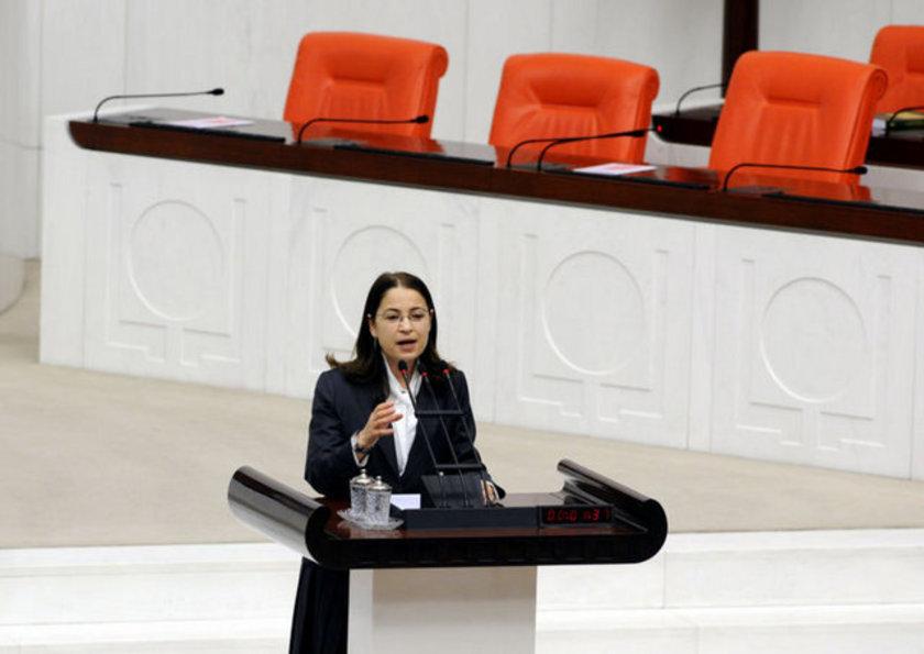 Aile ve Sosyal Politikalar Bakanı - Ayşenur İslam \n