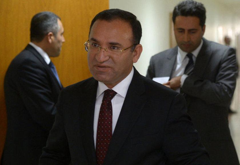 1965'te Yozgat'ta doğan Uludağ Üniversitesi İlahiyat Fakültesi ve Selçuk Üniversitesi Hukuk Fakültesini bitirdi. Bozdağ, AK Parti'nin kurulmasıyla Yozgat'ta AK Parti İl Teşkilatı'nın kurucuları arasında yer aldı.