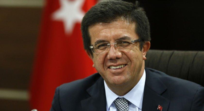 Denizli'de 1961 yılında doğan Zeybekçi, Marmara Üniversitesi İşletme Fakültesi'ni bitirdi. 2004-2011 yıllarında AK Parti Denizli Belediye Başkanlığı görevini yürüten Zeybekçi, Denizli Sanayi Odası Meslek Komitesi Başkanlığı da yaptı.\n