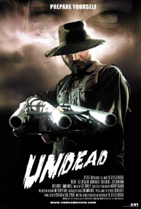 """5-Undead (2003): """"Vampir İmparatorluğu"""" (""""Daybreakers"""", 2009) ile tanınan Spierig Kardeşler'in kendi birikimleriyle çektikleri ilk filmleri… Ozploitation film (Avustralya istismar filmi) geleneğinden beslenen """"Undead"""", Avustralya'ya düşen meteorların"""