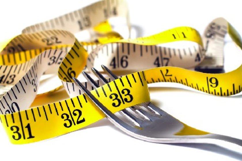 Avustralya'da yapılan bir araştırmaya göre, sağlıklı bireylere sadece bir kez verilen yağlı yemek bile dolaşım sistemini olumsuz şekilde etkiliyor ve HDL'nin koruyucu kalitesini düşürüyor.