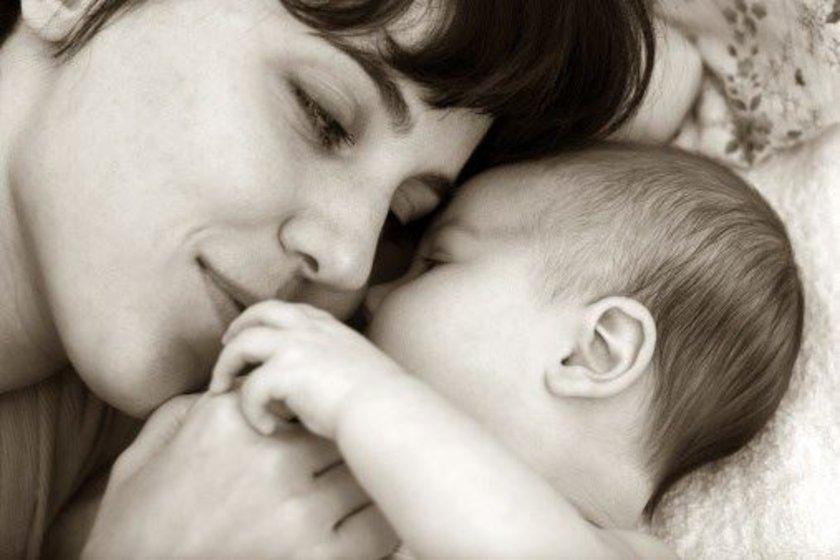 Bu düzen doktorla birlikte bebeğe göre organize edilmiş olabilir. Bu modelde programda her şey dakikası dakikasına uygulanır.