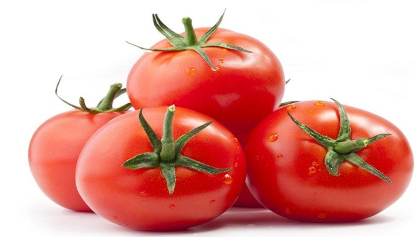 DOMATES:\n\nDomates de bir diğer süper besin Serbest radikaller, kalp damar hastalıkları ve kanser ile savaşır. Dikkat etmeniz gereken nokta; domatesin tüm bu yararlarını görmek için mevsiminde tüketin.