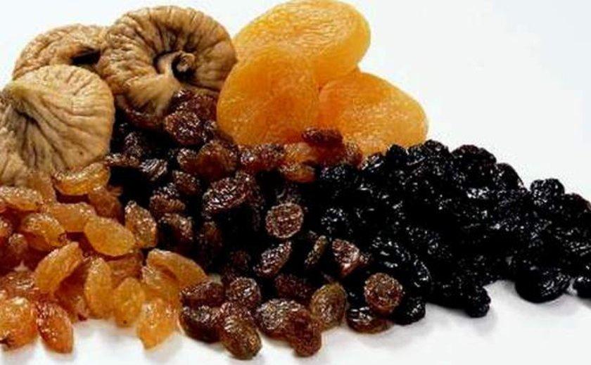 10. Kuru meyveler:\nKuru meyveler içeriğindeki lif, vitamin, mineral ve fitobesinler ile emzirme döneminde artan ihtiyaçların karşılanmasına yardımcı oluyor.