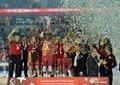 Galatasaray Odeabank, ilk kupasını Spor Toto Türkiye Kupası finalinde Fenerbahçe'yi yenerek elde etti.