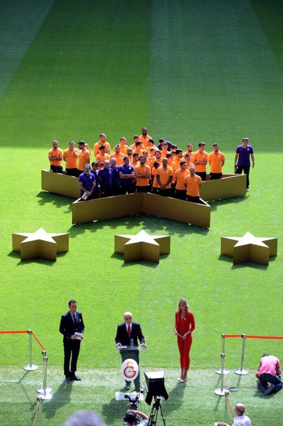 Ama futbolda 4. yıldız hedefiyle girilen 2014-15 sezonu Galatasaray için iyi başlamadı. \n