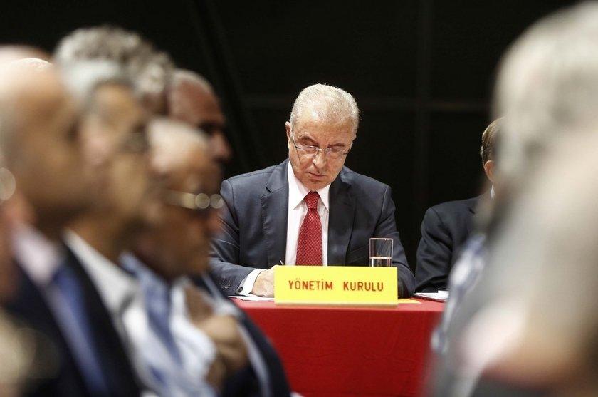 Ve ardından yapılan Yönetim Kurulu toplantısında olağanüstü genel kurul kararı alındı. (NTVSPOR)