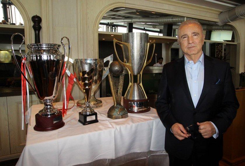 Galatasaray'da Ünal Aysal'ın başkanlığı bırakmasıyla, 3 yılda aldığı kupalar ve başarılı olup olmadığı tartışma konusu oldu (Kaynak: NTV Spor)