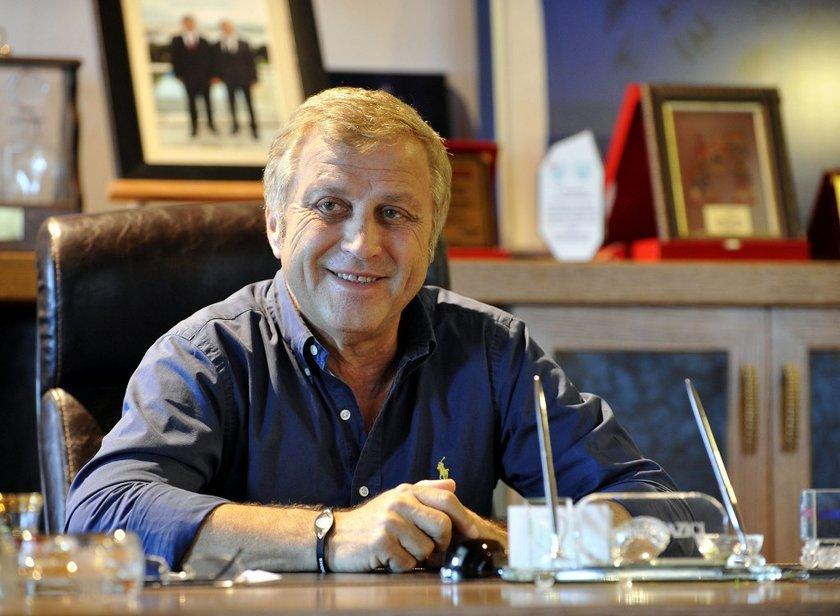 O isim; Türk futbolunun 5. şampiyonu olarak tarihe adını altın harflerle yazdıran ve 7 Mayıs 2013'te yaşamını yitiren Bursaspor Başkanı İbrahim Yazıcı'dan başkası değil
