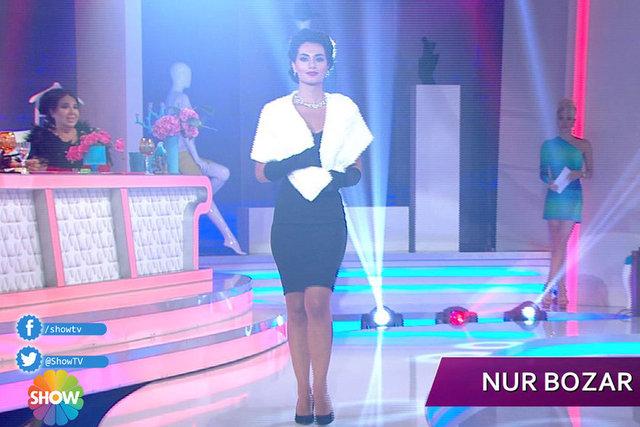 2. Eleme Gecesinde Nur Bozar İkonlardan Sophia Loren'i canlandırarak Jüriden 25 tam puan aldı.