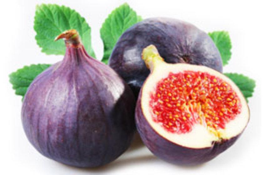 İncir:\n\nyüksek lif içeriğine sahip olan incir, kabızlığın giderilmesinde, bağırsaklardaki toksik maddelerin atılmasında etkildir. Kabız olanlar inciri hem kuru hem de kuru olarak tüketebilirler.\n\n