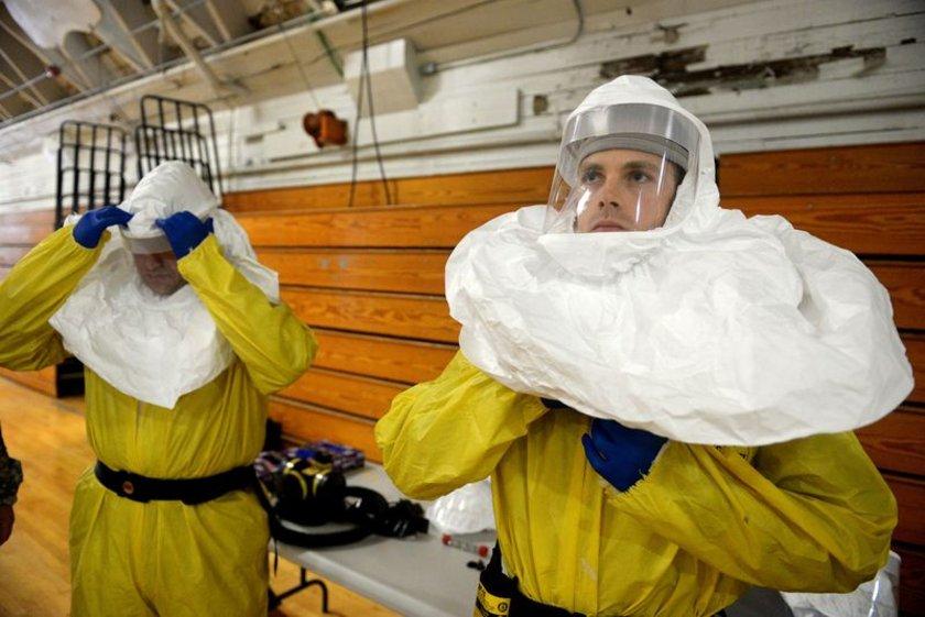 Amerika'nın Liberya'ya Ebola ile mücadele için gönderdiği ordu mensupları, görev için eğitim alıyor.