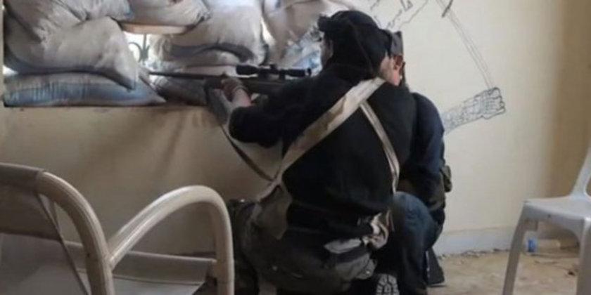 'Beyaz Kefenliler'den IŞİD baskını! <br> Kendilerine \