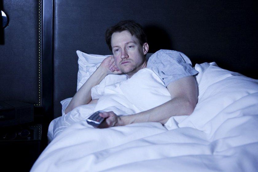 Yatağı uyumak dışında kullanmayın, yatakta televizyon izlemeyin.