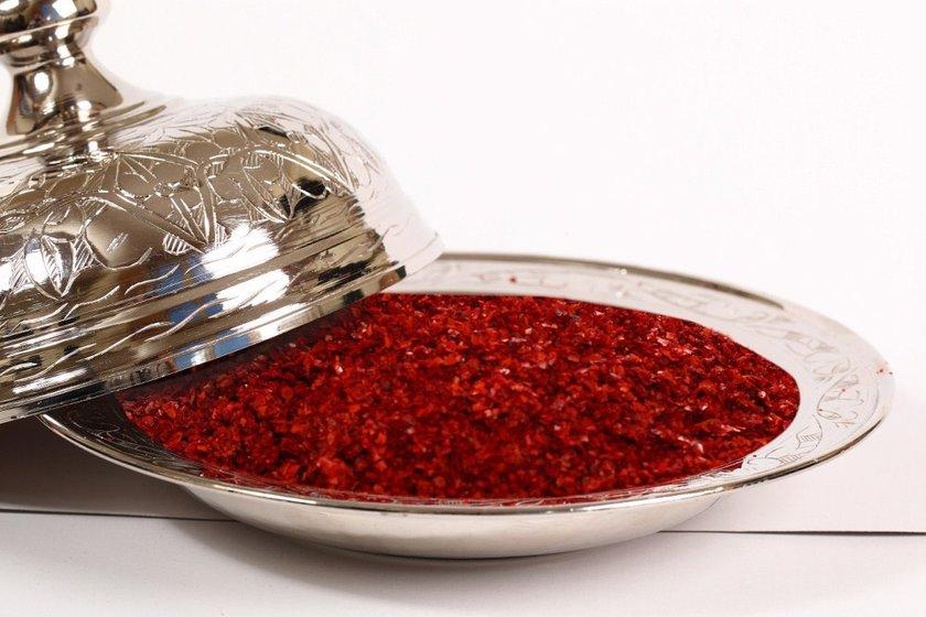 Hollanda'da yapılan bir çalışmada küçük dozlarda her yemeğe pul biber katmak (2.56 mg kadar kapsaikin),