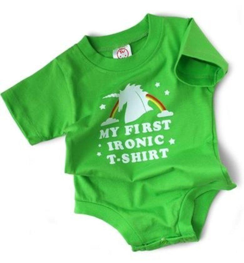 En aykırı bebek kıyafetleri<br>\