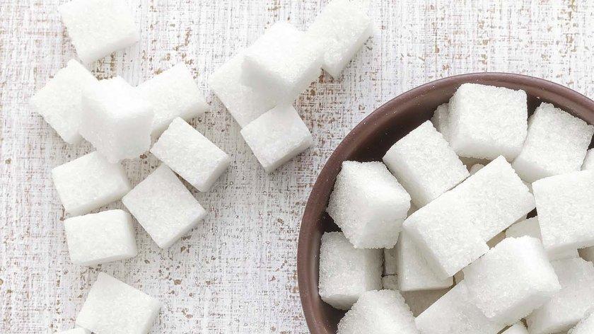 Nasıl: Bir aşamadan diğerine geçtikçe, gizli ya da az bilinen şekerleri azaltmanın önceki aşamalardan daha kolay geldiğiniz görebilirsiniz.