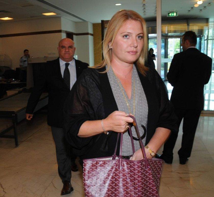 Koç Holding Yönetim Kurulu Başkanı Mustafa Koç'un eşi Caroline Koç, kayınpederi Vehbi Koç tarafından kurulan Türkiye Aile Planlaması Vakfı'nın başkanlığını üstleniyor.
