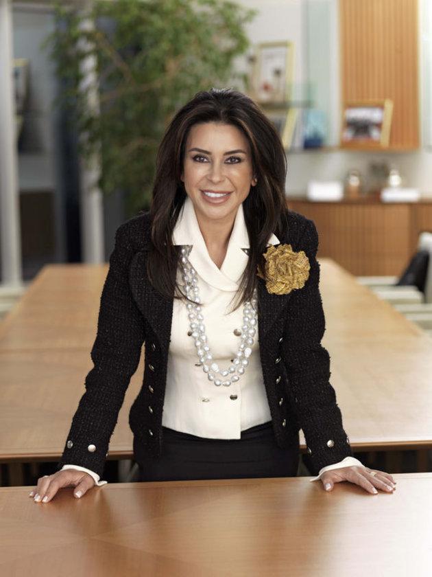 Akbank Yönetim Kurulu Başkanı ve Murahhas Üyesi Suzan Sabancı Dinçer,Türkiye'de sanatın gelişimine katkılarıyla biliniyor. Türkiye'de kadın girişimciliğini artırmak amacıyla kurulan KAGİDER'in fahri üyesi.