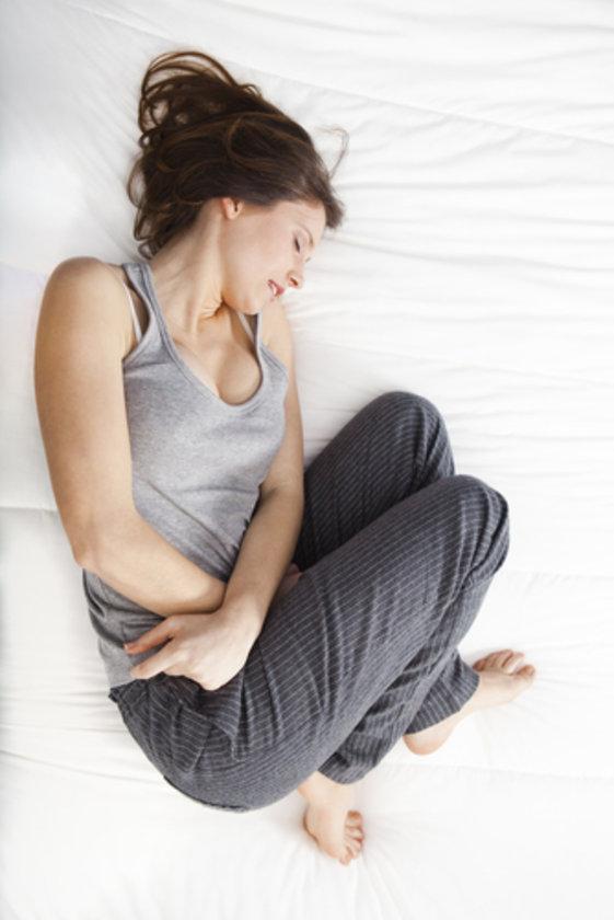 Hiç yumurtlamayan kadınlarda ise Polikistik Over Sendromu (PCOS) adı verilen bir genetik bir durum söz konusu olabilir.