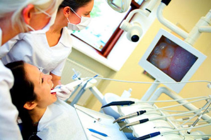 ADA tarafından yapılan bir araştırmaya göre, yetişkinlerin yalnızca çok küçük bir bölümü düzenli olarak diş hekimine gidiyor.