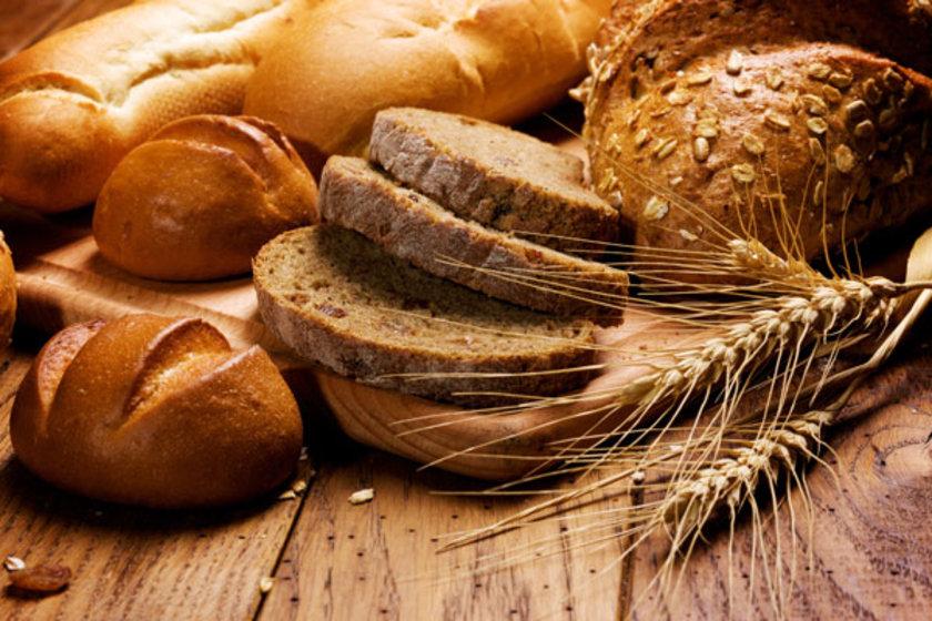 Yulaf ve arpa çözünür lif içerir, kolesterolle savaşır.