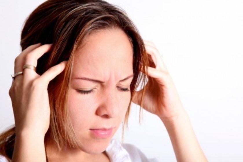 <b> Karanlık: </b><br> Gerginlik, stres ve endişe hissettiğiniz durumlarda başınıza bir ağrı saplanıyorsa yalnız değilsiniz.
