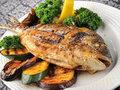 Balık, ceviz, taze fındık, kabak çekirdeği, brokoli, lahana, karnabahar, domates, biber, havuç, mürdüm eriği, nar, üzüm, çilek karpuz, işlenmemiş tahıl ve ürünleri gibi yüksek antioksidan besinler tüketin.