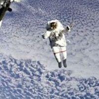 Uzay için kim daha uygun?