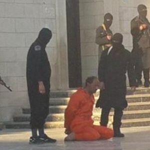 IŞİD'DEN CANAVARLIK EĞİTİMİ!