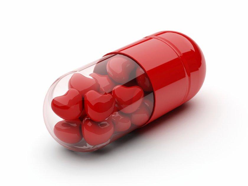 Ancak ilaçlar damar tıkanmasını açmıyor, sadece yürümeyi rahatlatabiliyor.