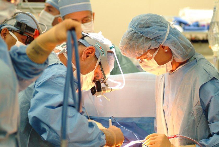 Yöntemin amacı, balon ya da stent ile damarı genişletmek değil damar duvarında oluşan kireçlenme dediğimiz kısmı tıraşlayarak temizlemektir.\n