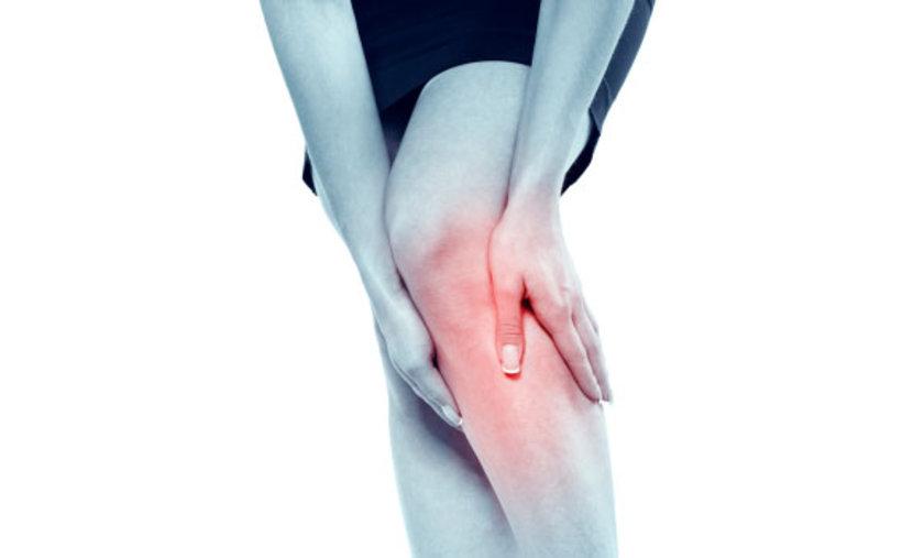 Bacak damarındaki daralma ya da tıkanmalar ise kişinin yürümesini engelleyerek ya da daha ileri evrelerinde ayakta yara yaparak yaşam kalitesini bozan ve uzun dönemde bacak ampütasyonlarına (kesilmesine) yol açabilen bir hastalıktır. \n