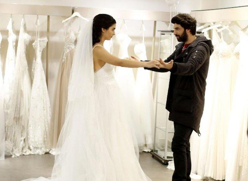 \nTuba Büyüküstün başrollerini Engin Akyürek ile paylaştığı dizide evleneklerini aileleriyle paylaşacak.