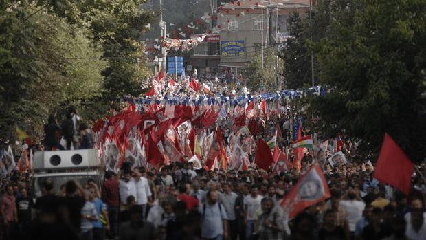 Gazi Mahallesi'ndeki cenaze töreninden kareler