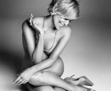 Sharon Stone 57 yaşında soyundu