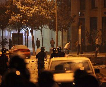 BEYRUT'TA ÇÖP SAVAŞLARI: 35 YARALI