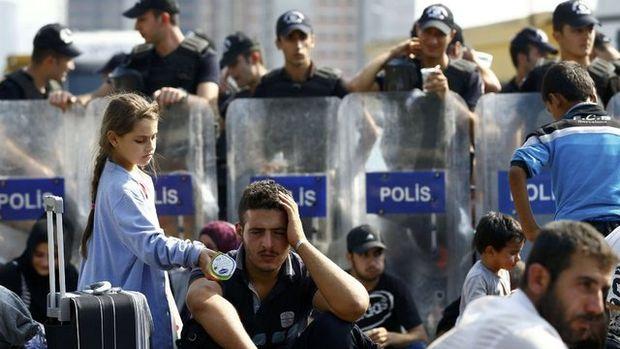 Edirne'ye yürüyen sığınmacılara müdahale!