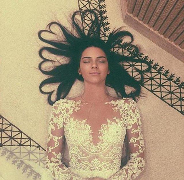 Kendall Jenner'ın 40 milyon takipçi sevinci