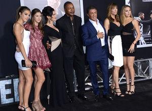 Slyvester Stallone kızlarını galaya götürdü