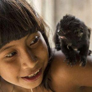 AMAZON'DA YAŞAYAN KABİLENİN İLGİNÇ GELENEĞİ!