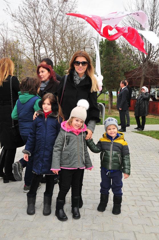 <p>MELİSA, EDA, LİLA, KAAN KOSİF</p>