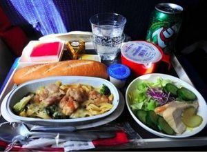 Havayolu şirketlerinin yemek menüleri