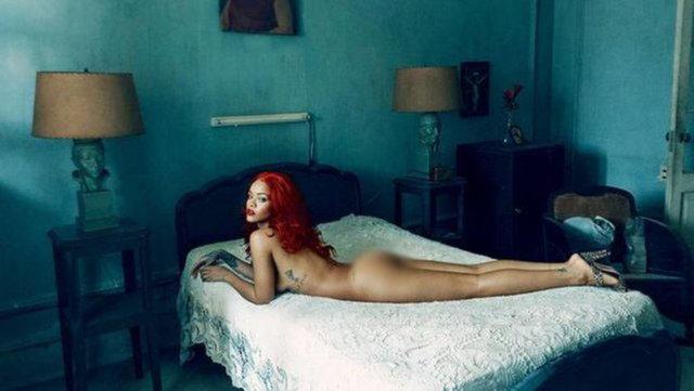 Rıhanna Vogue'a kapak oldu